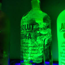 Blacklight Halloween Party Ideas by Use Water And Highlighter Ink A Blacklight For Some Cool Bar