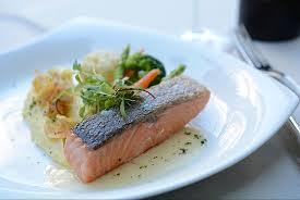 cuisine steak สเต กแซลมอน เส ร ฟพร อมซอส เนยมะนาว picture of hamilton s steak