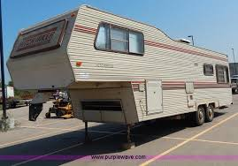 1984 nuwa hitchhiker 28 5 u0027 fifth wheel camper item i4470