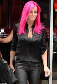 does jenny mccarthy have hair extensions former blonde jenny mccarthy debuts magenta hair ultimate hair world