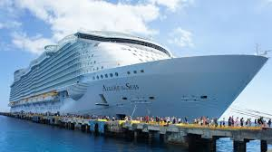 largest ship in the world behind the scenes of the world s largest cruise ship twistedsifter