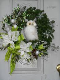 White Owl Christmas Decorations by 42 Best Christmas Wreaths Images On Pinterest Winter Wreaths
