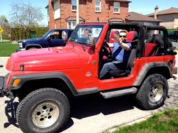 doorless jeep wrangler how to do the jeep wave toplessdrivers