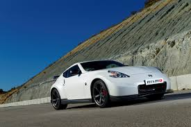 nissan 370z qatar living gulfconnoisseur u2013 nissan gears up to unfold a new chapter at the