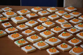 decorating halloween cookies flooding with royal icing polish