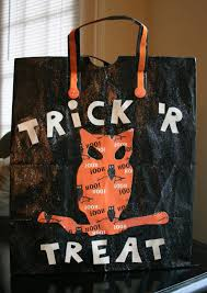 last minute trick u0027r treat bag from a grocery bag pinned by www