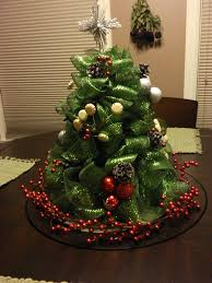 mesh christmas tree so while i was at my sisters house during