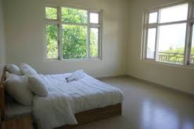 Synonym Babysitter The Mansion At Kalpa White Linen U0026 Bright Rooms Bed