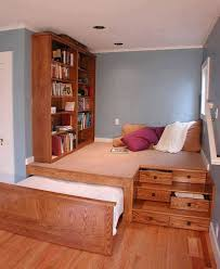 Ideas For A Guest Bedroom - best 25 multipurpose guest room ideas on pinterest multipurpose