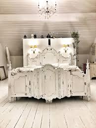 drömsäng här sover man som en prinsessa diy gjord imperial säng