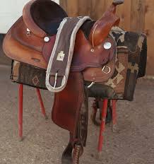 how to tie a western cinch position the saddle