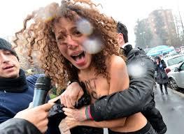 Nackte Frauen Im Bad Wahl In Italien Nackte Frauen Gehen Auf Berlusconi Los Kölner