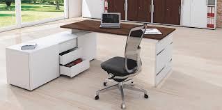 B O Rollcontainer Büromöbel Preiswert Und Schnell Stauraum Am Arbeitsplatz