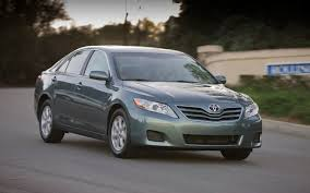 2011 toyota camry le review 2011 toyota camry se v 6 drive motor trend