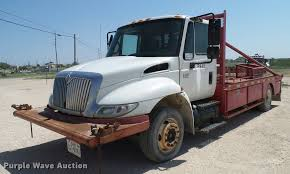 2004 international durastar 4300 winch truck item da6790