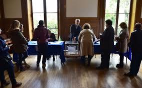 assesseur bureau de vote bureaux de vote le défi des maires pour recruter des assesseurs