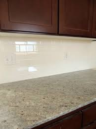 Granite Countertops And Kitchen Tile Best 25 Light Granite Ideas On Pinterest Kitchen Island With