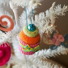 felt christmas ornaments 70 diy felt christmas tree ornaments shelterness