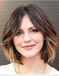 short haircuts with middle part easy hairstyles for women to look stylish in no time short