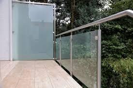 balkon glasscheiben sichtschutz edelstahl glas möbel und heimat design inspiration
