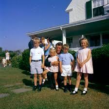 john f kennedy children st c379 4 62 attorney general robert f kennedy with his
