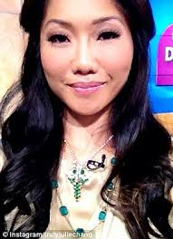 news anchor in la hair julie chang la tv anchor diagnosed with brain tumor daily mail