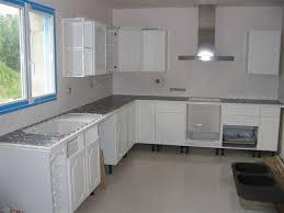 cuisine blanche et grise plan de travail cuisine gris cuisine cuisine dans la gamme des