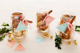 this mason jar cocktail is the best stocking stuffer idea for