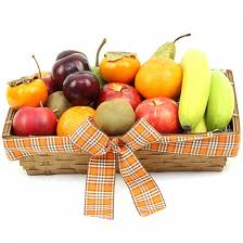 send fruit deluxe indulgence fruit basket send fruit basket uk