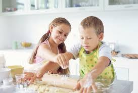conseils pour cuisiner cuisiner avec les enfants mes conseils et astuces