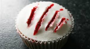 halloween cupcake ideas how to make bloody halloween cupcakes