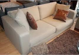 nettoyer un canap en peau de peche canape alcantara 859423 canapé 2 places alcantara chambre et salon
