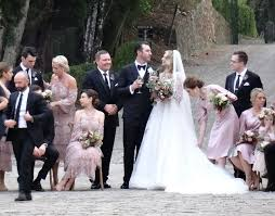 valentino wedding dresses see kate upton s gorgeous valentino wedding dress