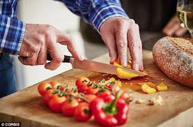ustensil cuisine hygienist dr ackerley says germs lurk on kitchen utensils