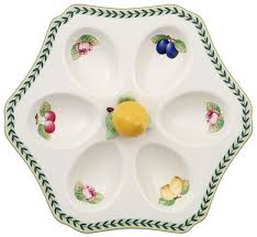 spotlight on our favorite divided plates and serving trays