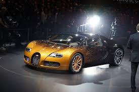 bugatti veyron vs lamborghini veneno bugatti veyron grand sport venet is a of geneva