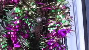 how to change a christmas wreath to a mardi gras wreath youtube