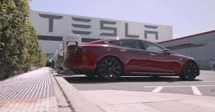 tesla factory tesla workers are passing out on the factory floor according to