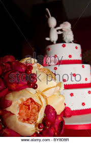 Red And White Chinese Wedding Cake Stock Photos U0026 Red And White