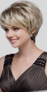 coupes cheveux courts incroyable femmes coupes cheveux courts coupe de cheveux 2018 id