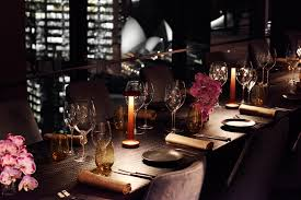 private dining o bar and dining