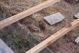 karl erwin und die frau ein haus wird glücklich terrasse bauen