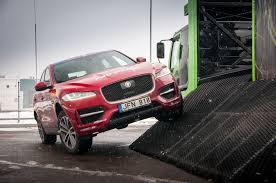 jaguar f pace jaguar f pace u201c nuskynė u201epasaulio metų automobilio u201c titulą gazas lt
