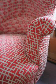 quel tissu pour recouvrir un canapé le fauteuil crapaud de gilles tapissier décorateur