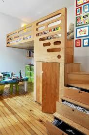 stauraum kinderzimmer interior ideen für kinderzimmer bett auf zweiter eben treppen mit