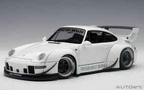 Porsche 911 White - autoart 78150 porsche 911 rwb 993 white 1 18 scale composite car