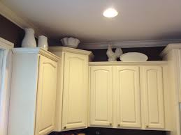 what to put on top of kitchen cabinets interior design