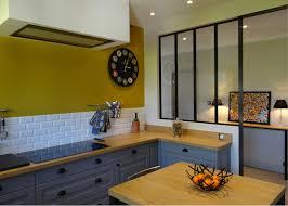 cuisine noir et jaune cuisine noir et jaune mobilier maison meuble de cuisine jaune avec