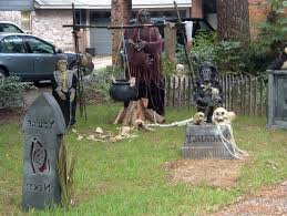 Quality Outdoor Halloween Decorations by Scary Outdoor Halloween Decorating Ideas Halloween Tree Ornaments