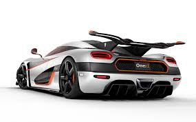 koenigsegg crash koenigsegg issue statement after huge 4 4 mil supercar crash